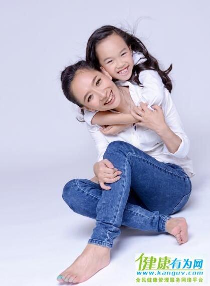 王芳和女儿小婉��