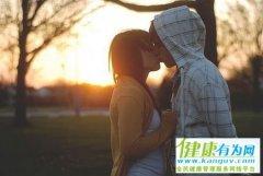 恋爱虽易,婚姻不易,且行且珍惜
