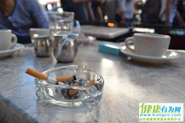 """戒烟真的很难?掌握这3个""""小技巧"""",或许对你戒烟有所帮助"""