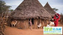 非洲的奇葩部落检验男子,方式虽奇怪却很有效