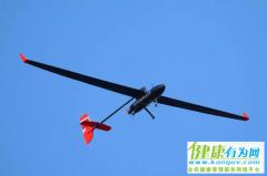 """北航学子造无人机""""冯如三号"""" 续航时间创世界纪录"""