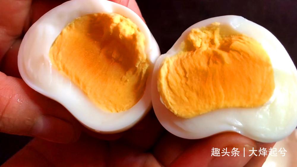 60岁老保姆教我一个煮鸡蛋的窍门,不用锅不用电,真的太厉害了
